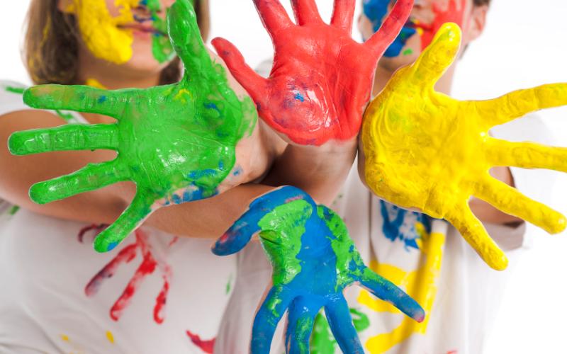 Wand im Kinderzimmer bemalen: Lassen Sie die Kinder kreativ werden!